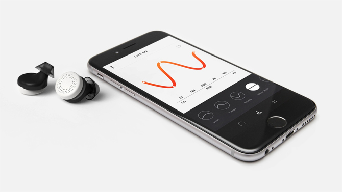 doppler-labs-render_buds-and-phone1